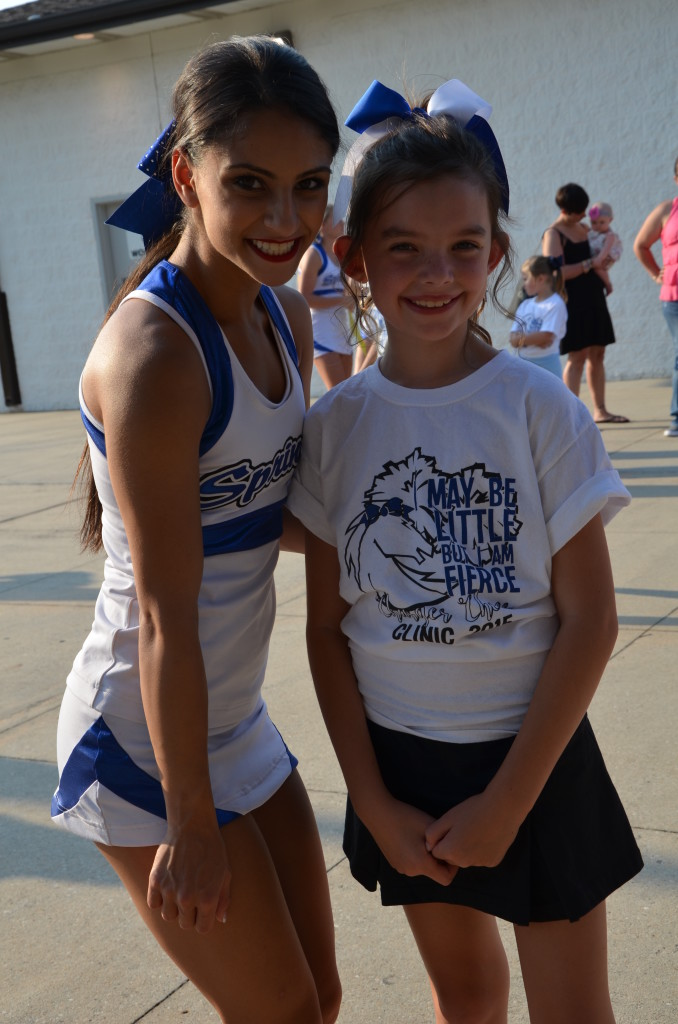 8-29-15 aiden and annslee cheer at varsity game 004