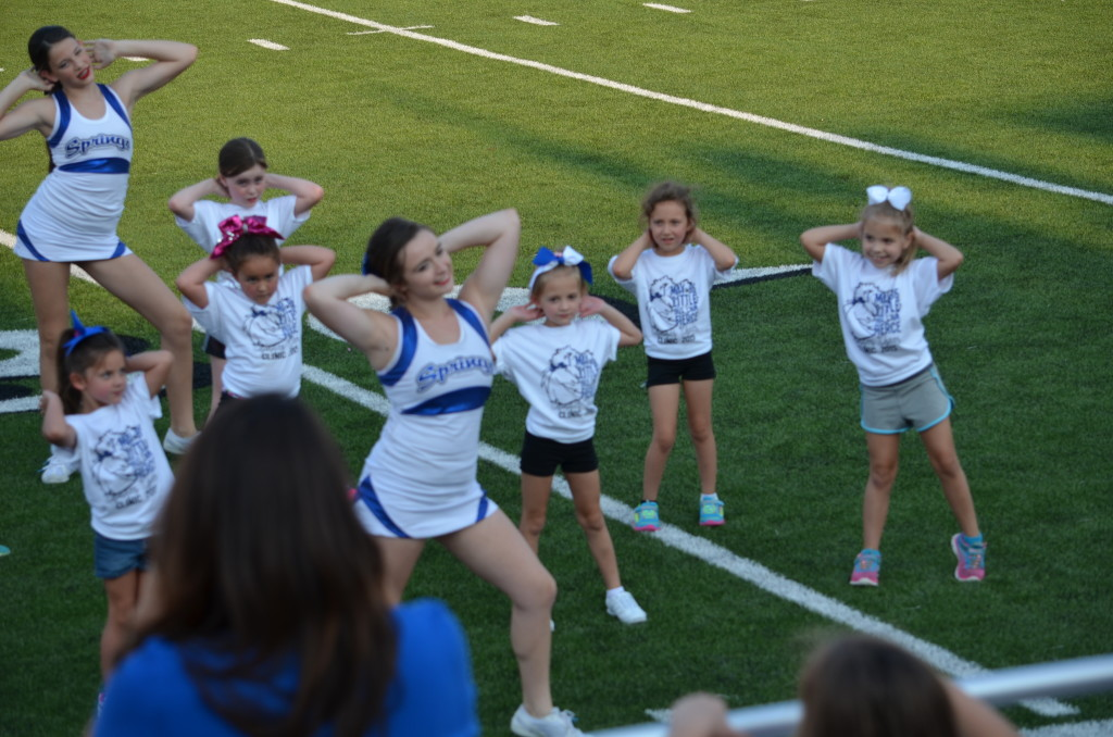 8-29-15 aiden and annslee cheer at varsity game 014